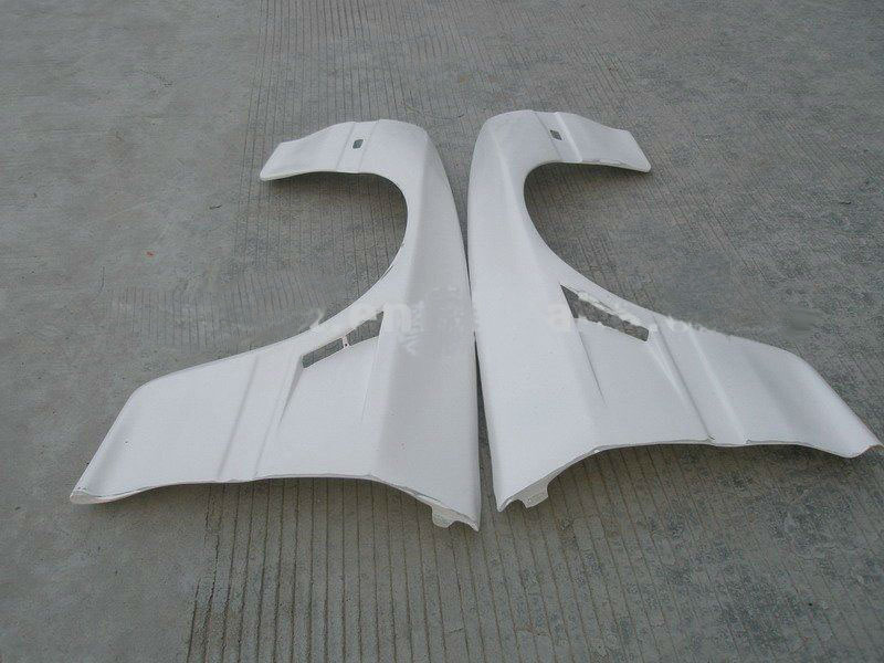 Mazda RX7 FC – D Style +25MM Wide Front Fenders FRP